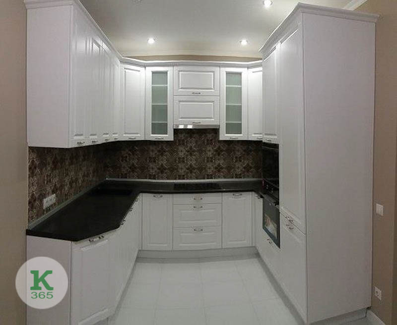 Кухня из дуба Пэнкрэзайо артикул: 20515573